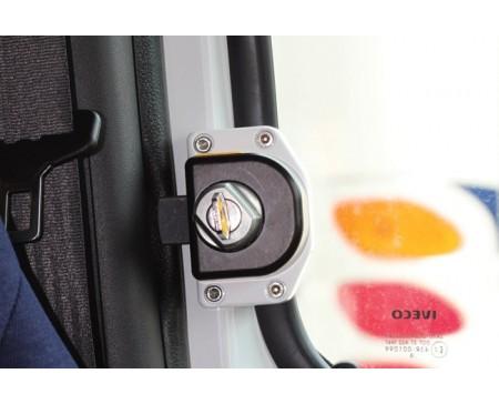 Kit sécurité HEOSAFE verrouillage par clé Renault Master
