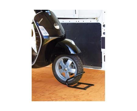 dispositif de blocage roue avant moto wheel chock front. Black Bedroom Furniture Sets. Home Design Ideas